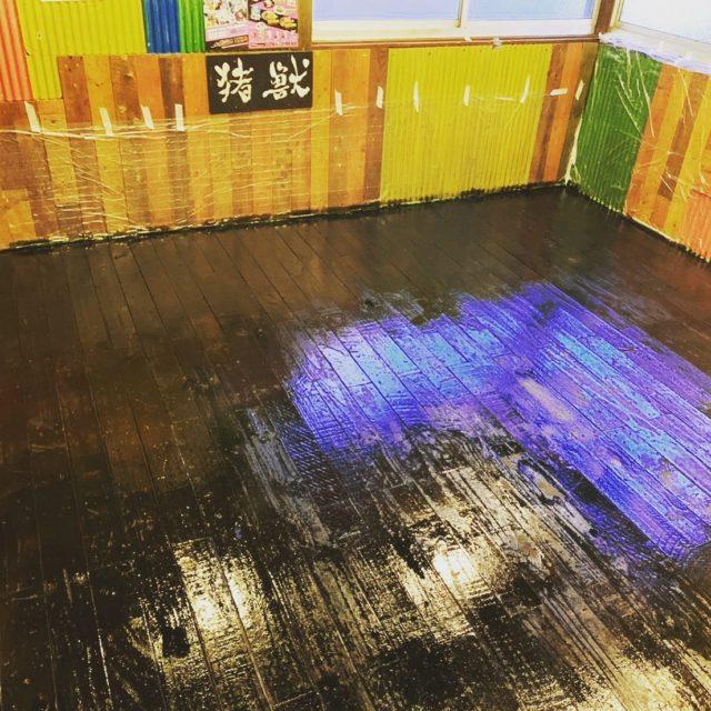 米とサーカス!高田馬場店!  休業中に ペンキ塗り直し!  一昨日から 営業再開してます!  ダービー通り店は6/1再開予定です! #米とサーカス#昆虫食#コロナ対策#滋養強壮#ジビエ